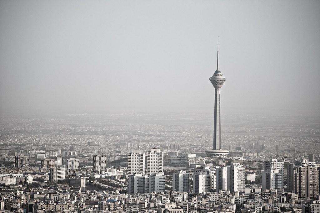 عکس زیبا و تک از برج میلاد