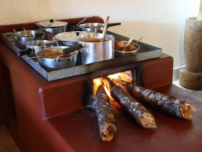 Fog a lenha restaurante d vilma cidade de gon alve minas - Como hacer una cocina de lena ...