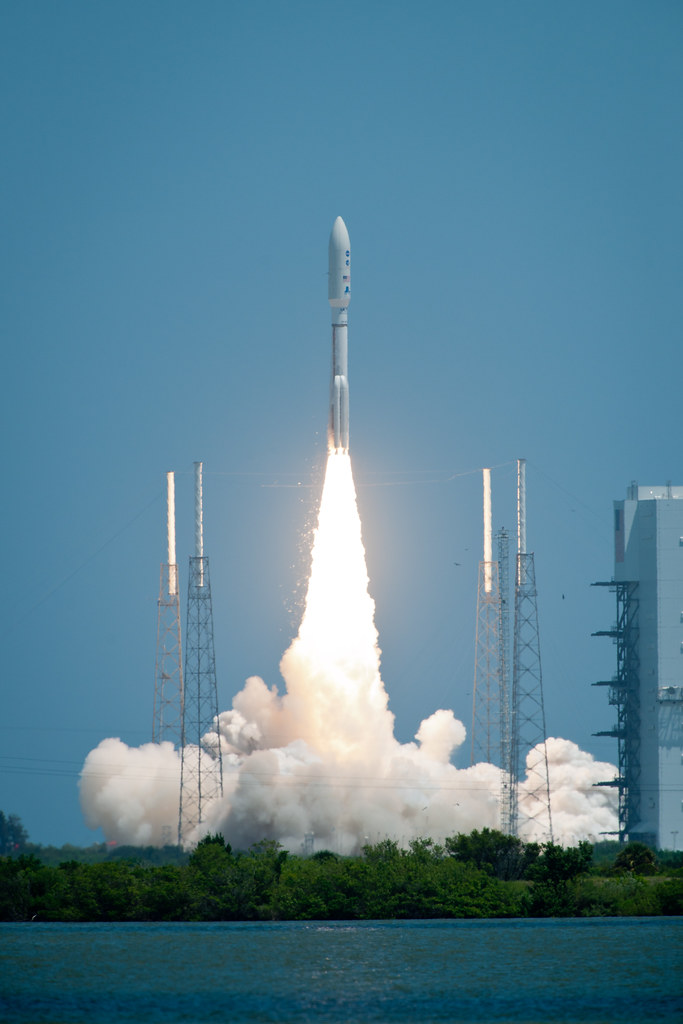 Atlas V Rocket Launches with Juno Spacecraft (201108050001 ... | 683 x 1024 jpeg 230kB