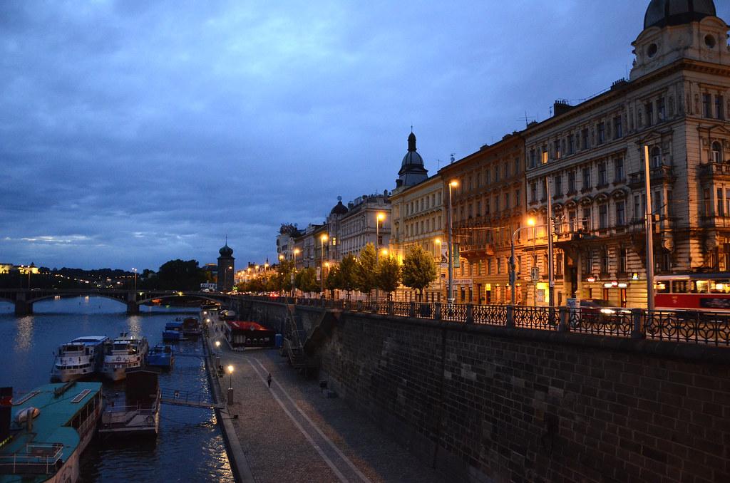 Praga | Lungo la Moldava. La Moldava (in italiano Mòldava o … | Flickr