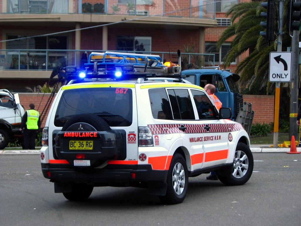 Ambulance NSW Mitsubishi Pajero Di D Paramedic Vehicle