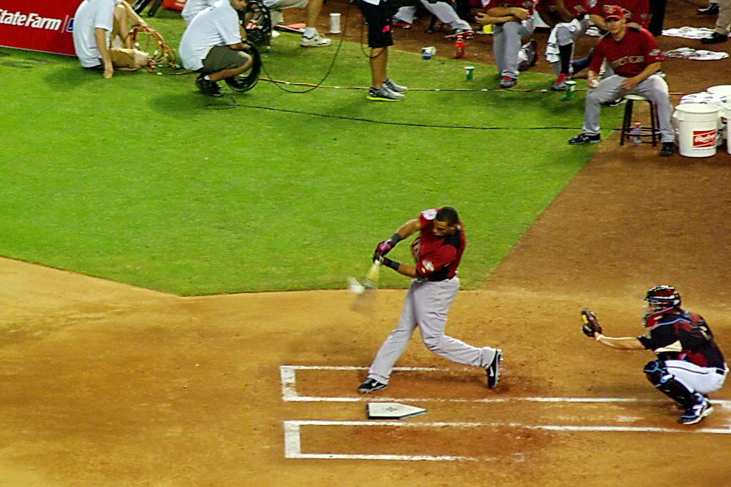 Robinson Cano - connecting - 2011 MLB Home Run Derby | Flickr