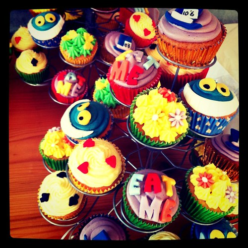 Alice Cup Cake
