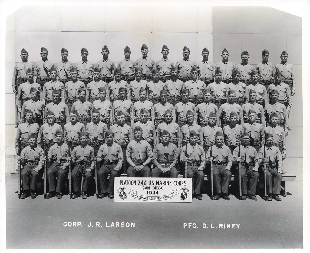 Platoon 246, MCRD San Diego, 1944 | Group photograph of ...