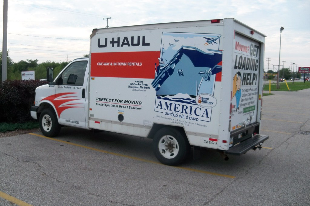 U Haul Truck Navy 100 1712 Jpg A U Haul Truck With U S