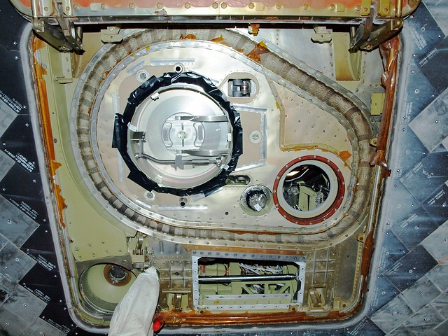 Shuttle Door & SPACE: NASA: SPACE SHUTTLE COLUMBIA HAS ...