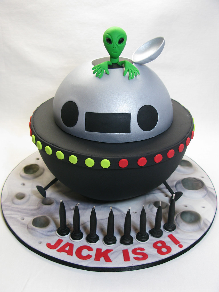 Aliens Birthday Cake Idea