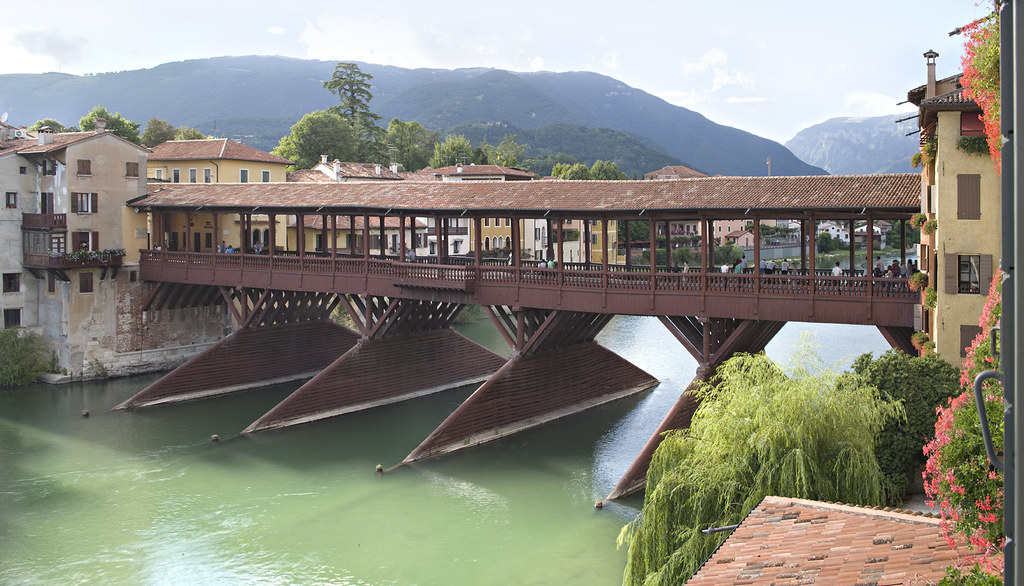 Ponte vecchio grapperia nardini bassano del grappa flickr - Piscine termali bassano del grappa ...