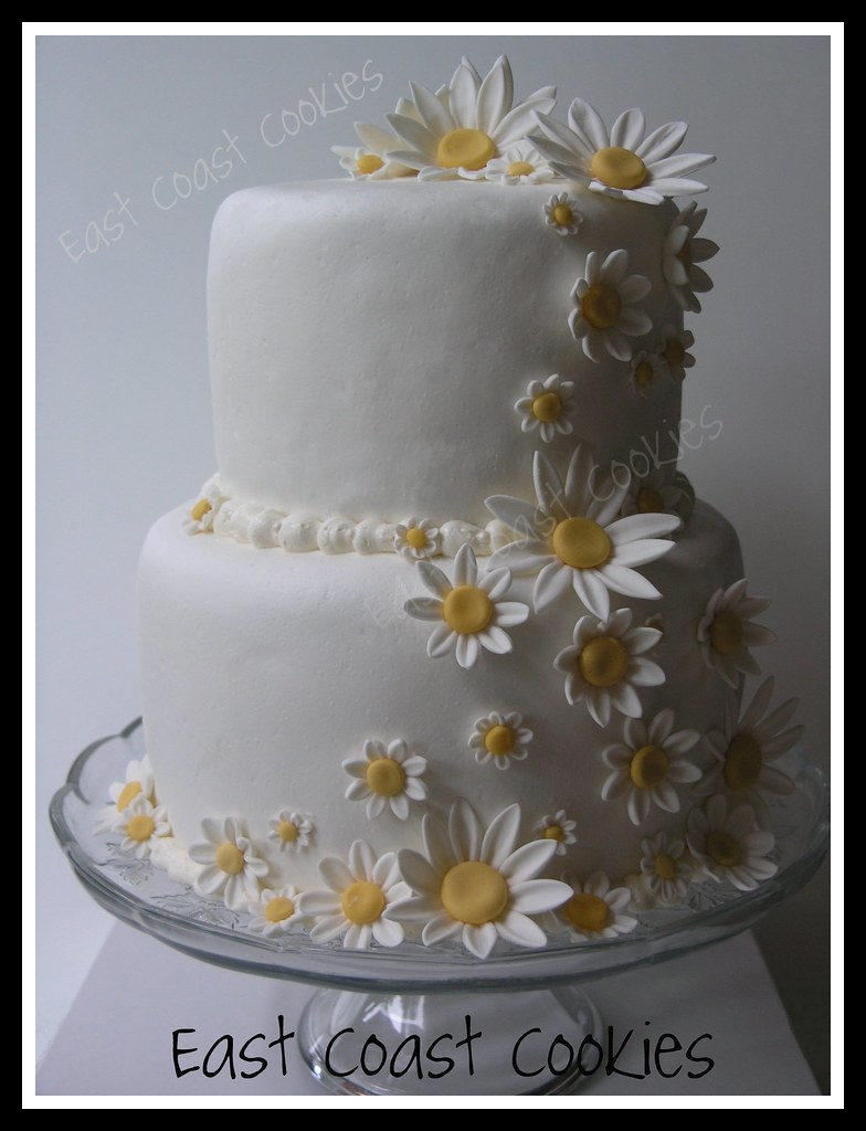 wedding cakes with daisy flowers wedding cake i don t normally make cakes for other 26017