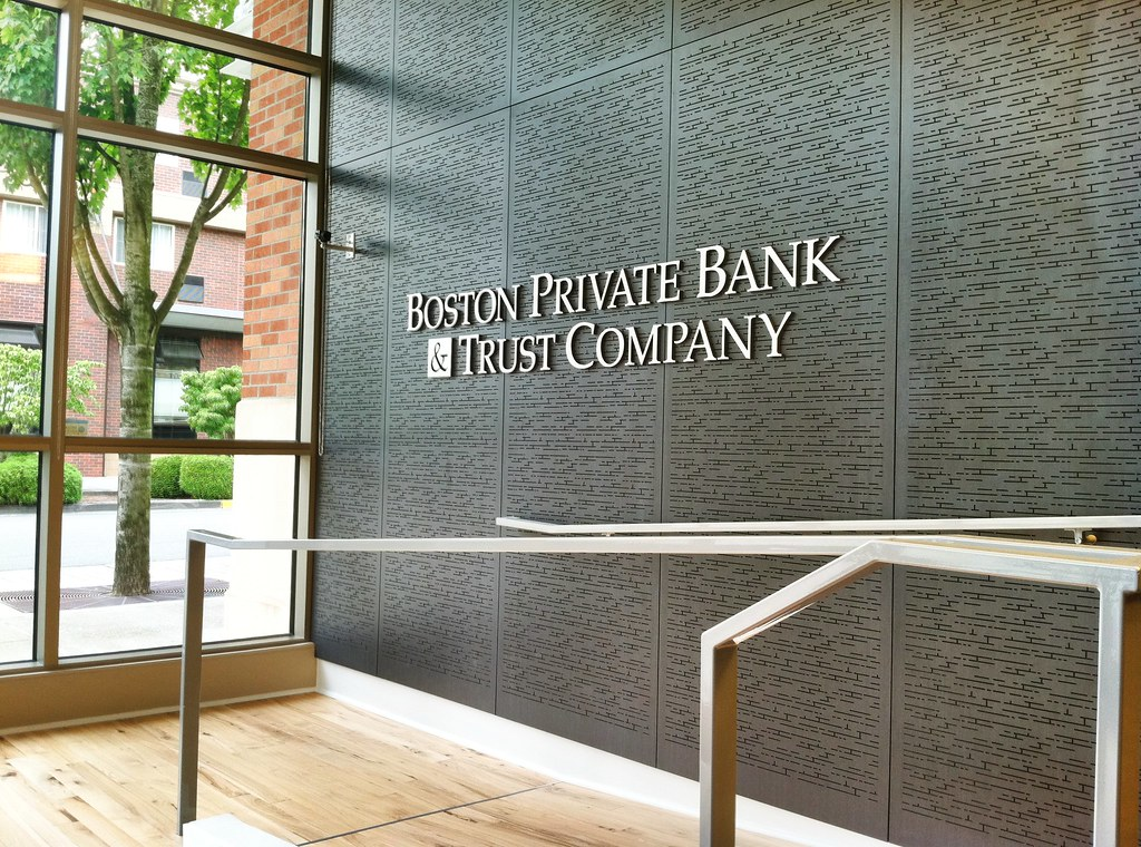 Interior bank signage bank interior design bank decor for Interior design signs