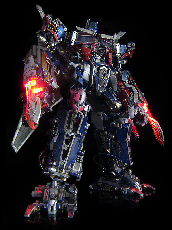 Dark of the Moon : Ultimate Optimus Prime (swords 1) | Flickr