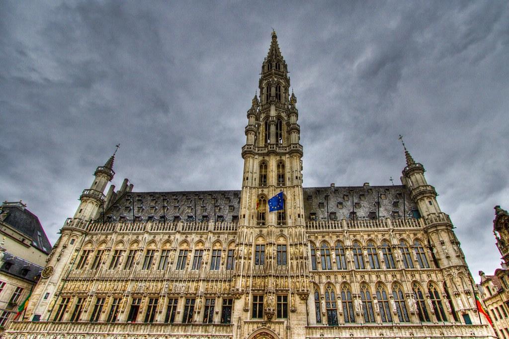 Hotel de ville de bruxelles hdr toon laurent flickr for Brussels piscine