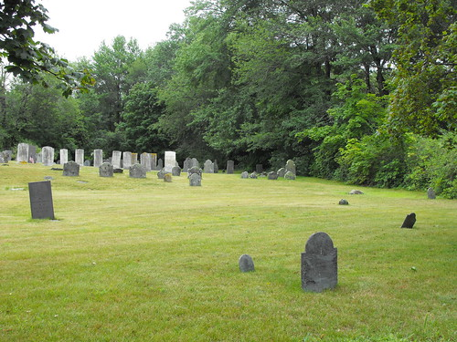 Burial ground in Salisbury, Mass | by pegase1972