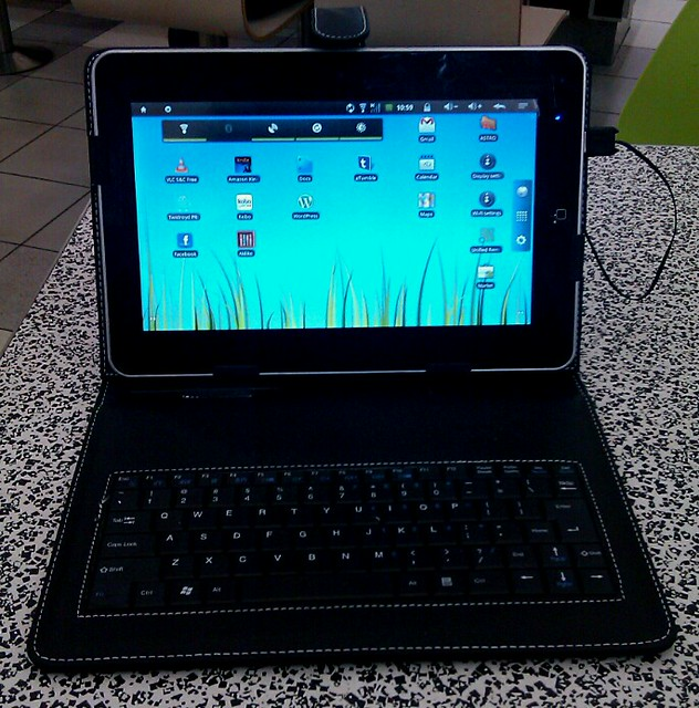 External Bluetooth Keyboard For Android Phone: Pic: External Keyboard For Android Tablet Arrived. Makes Typing MUCH Faster