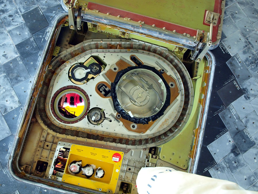 space shuttle white fuel tank - photo #40