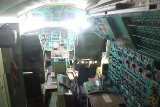 Cockpit: Tupolew Tu-144