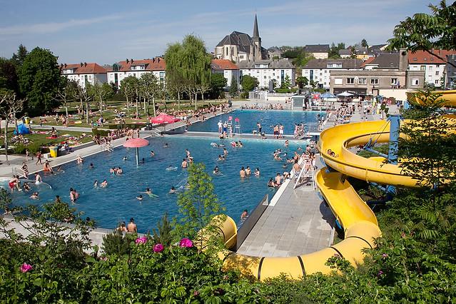 013 piscine plein air 8 mai piscina ao ar livre em for Cash piscine 8 mai
