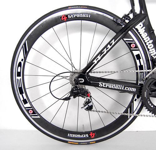 stradalli_phantom_tt-717_sram_red_black_hed-4-40mm_wheels_6 | by Stradalli.com