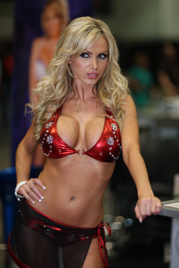 Ники бенц порно фото