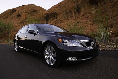 lexus ls 600h l une voiture hybride de luxe voici une tr flickr. Black Bedroom Furniture Sets. Home Design Ideas