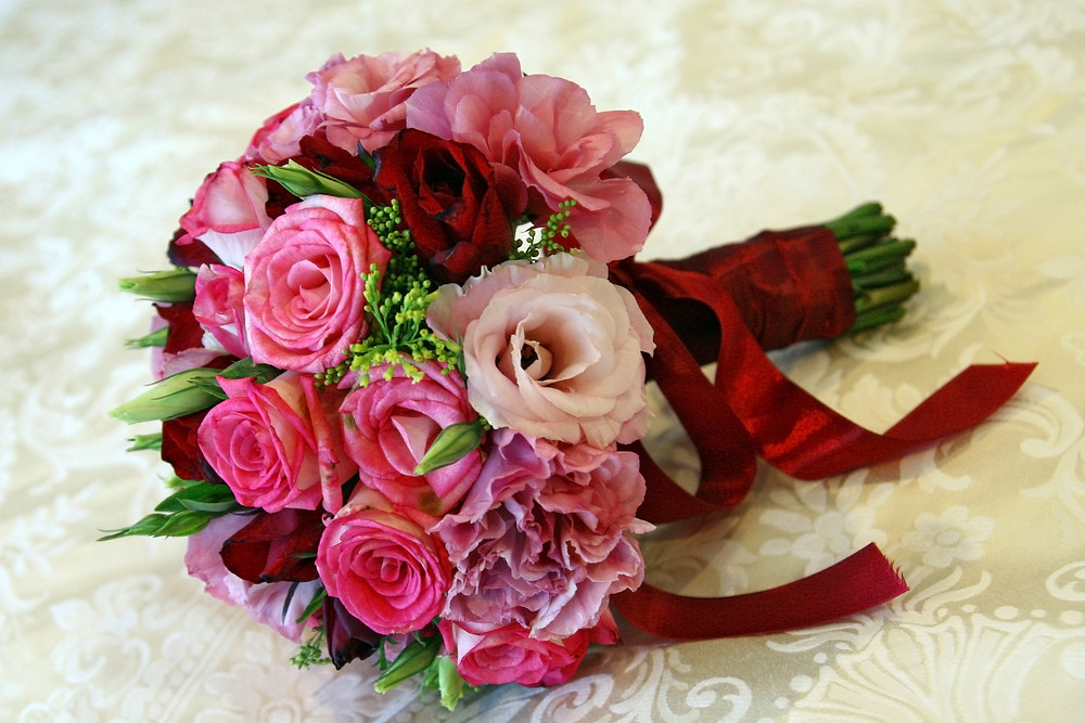 DIY Fresh Flower Bride Bouquet | This is a beautiful and ine… | Flickr