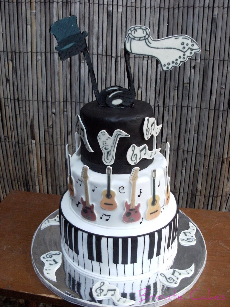 Musicians Wedding In Contrast To My Dolphin Cakei Love Flickr