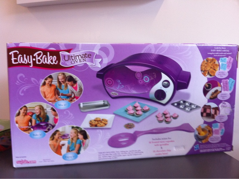 Easy bake ultimate oven hasbro holiday preview 2011 flickr for Architecte 3d 2011 ultimate