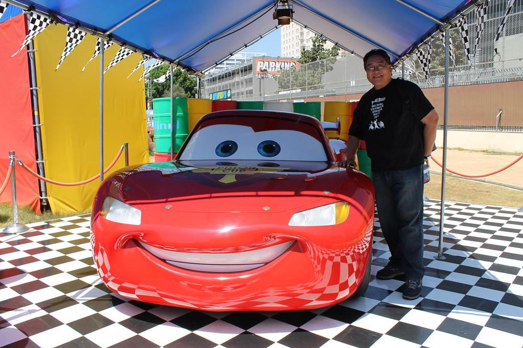 Meeting Lightning Mcqueen The Cars World Grand Prix