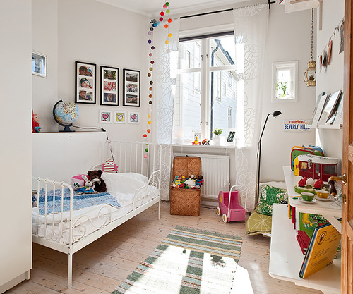 Bright Kids Room: White Kids Room With Bright Photo And Toy Displays