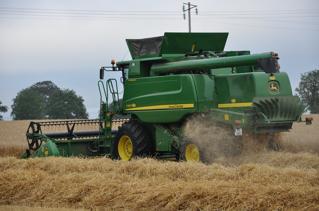 John Deere T560 Hill Master Combine Harvester 11C