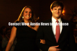 jQrKc2_121 | by > West Austin News