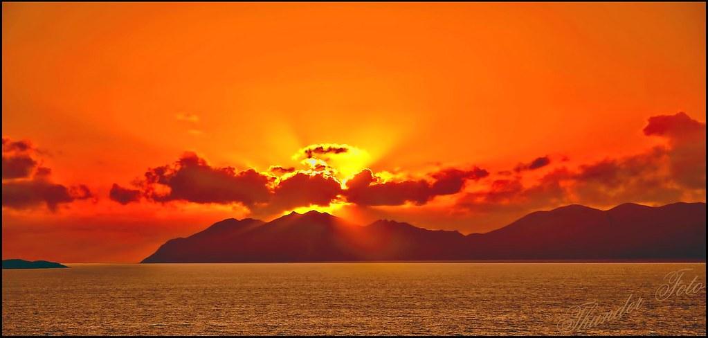 Holbourn Island Bowen Sunrise Coral Seas Bermuda