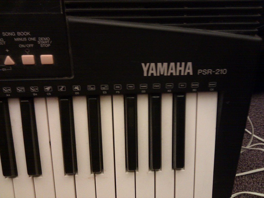 yamaha psr 210 i 39 ve gotten a few questions about the. Black Bedroom Furniture Sets. Home Design Ideas