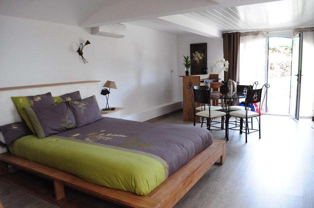 chambre ivresse des sens la demeure insoup onn e www l flickr. Black Bedroom Furniture Sets. Home Design Ideas
