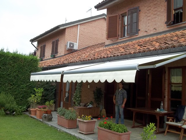 Tenda da sole con cassonetto a chiusura integrale Torino Chieri www.mftendedasoletorino.it