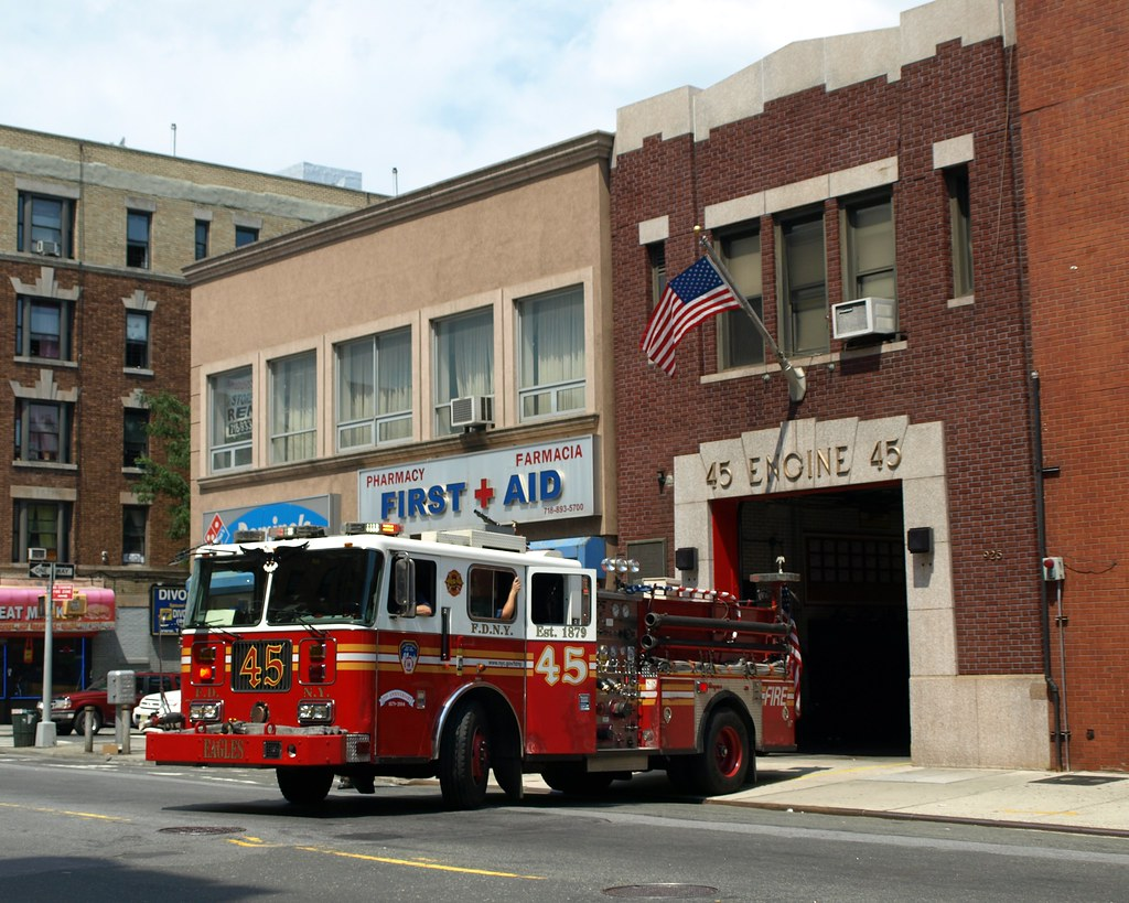 E045 Fdny Firehouse Engine 45 West Farms Bronx New York