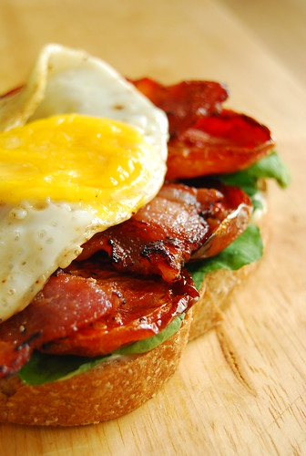 BLT with Slow Roasted Tomatoes & Egg | by 80 Breakfasts