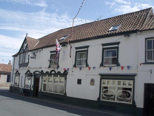 Edimburg Restaurant Near Saint Valery Guest House