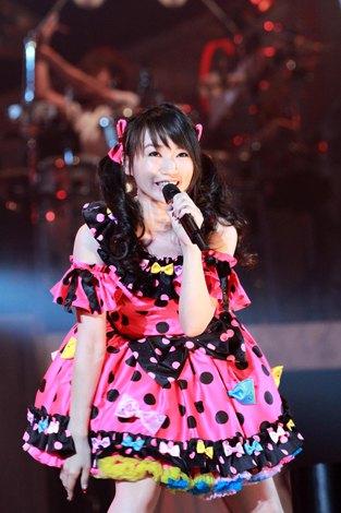 110725(1) - 聲優「水樹奈奈」將在12/3登上『東京巨蛋』演唱會~日本聲優史上第1人、日本女歌手第8人!