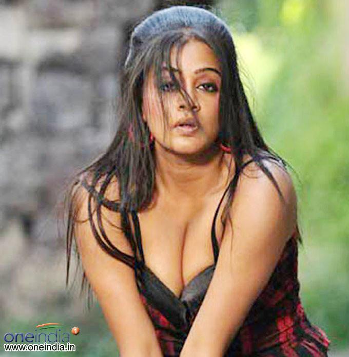 sexy image of priyamani