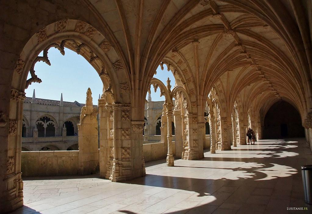 Galeries superieures du cloître