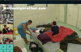 BB13-C4-8-1-2011-12_42_07.jpg | by onlinebigbrother.com