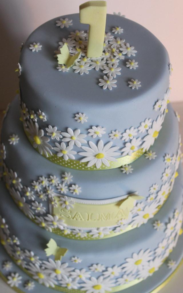 Three Tiered 1st Birthday Daisy Cake Big Birthday Cake Fo Flickr