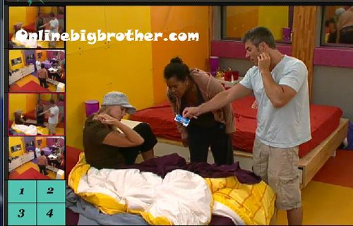 BB13-C3-7-28-2011-12_08_14.jpg | by onlinebigbrother.com