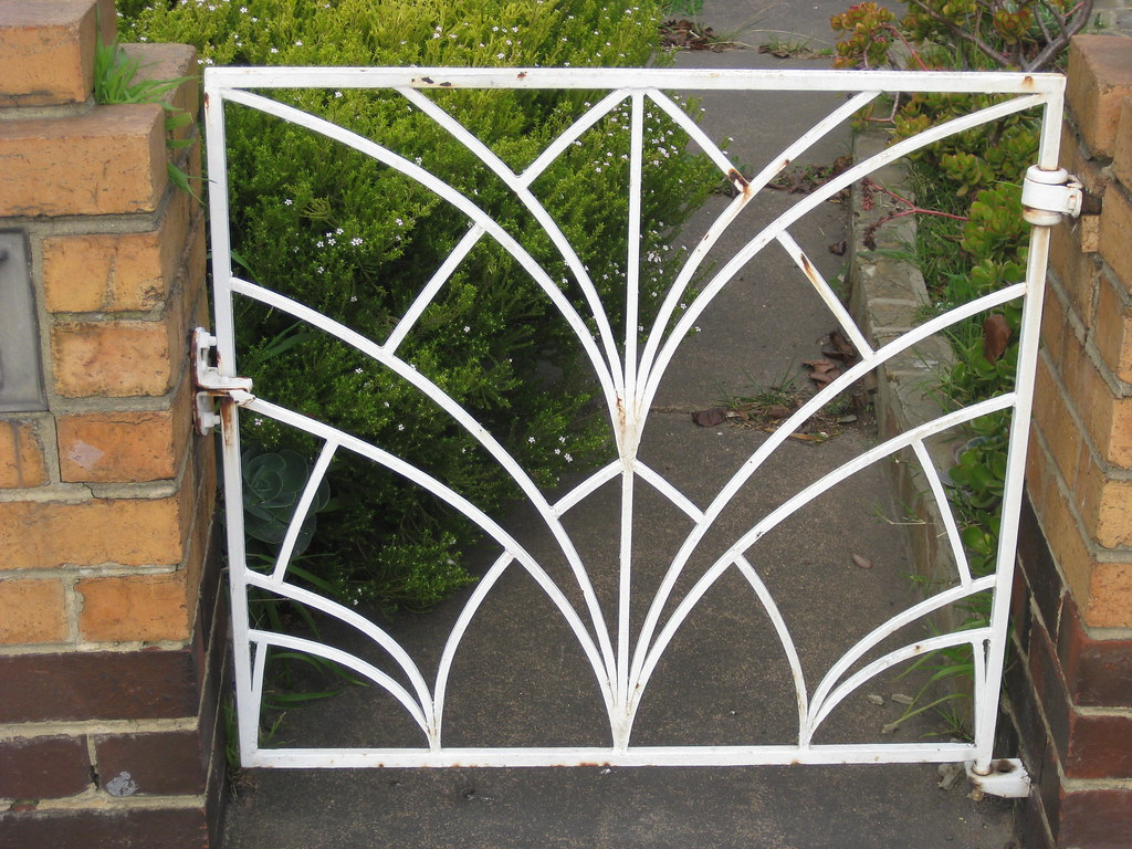 art deco gate thornbury this iron garden gate belonging flickr. Black Bedroom Furniture Sets. Home Design Ideas