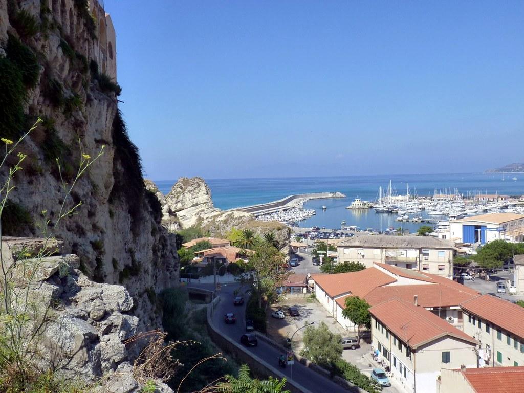 Tropea (VV) - La terrazza sul mare | Tropea (Greek: Tropaea,… | Flickr