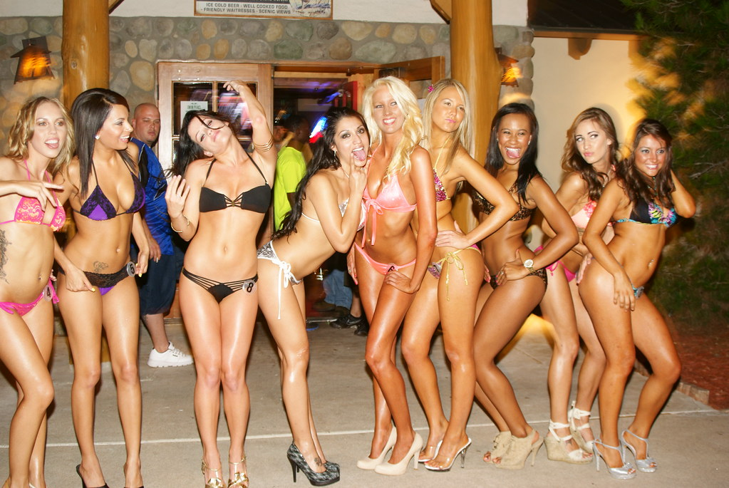 Has got photos taken in bikini contest ass