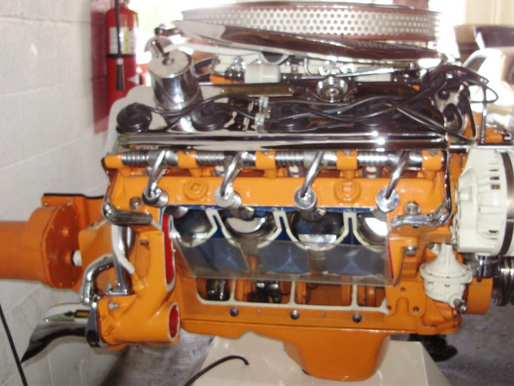 426 Hemi Engine For Sale >> 426 Hemi Cutaway Engine Display | Retro Dealer Chrysler Carl… | Flickr