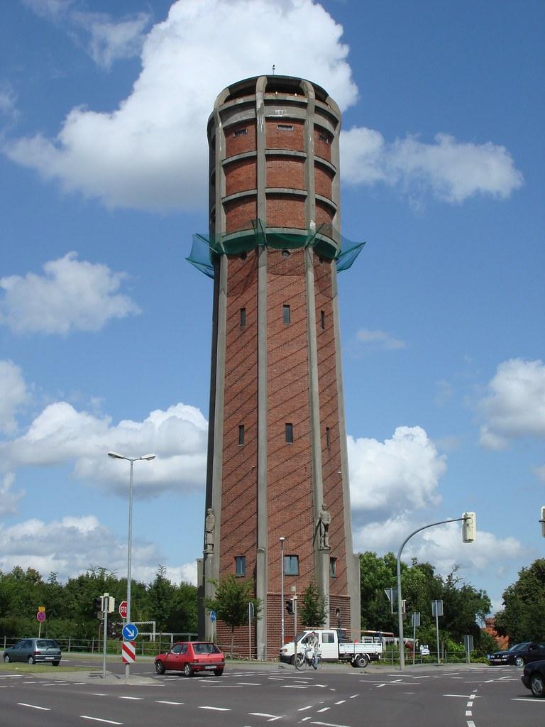 1934/35 Genthin Wasserturm in Stahlbeton-Skelettbau mit Zi… | Flickr