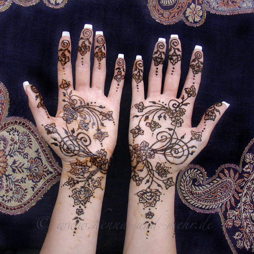 two henna hands for amber henna or mehndi is not a. Black Bedroom Furniture Sets. Home Design Ideas